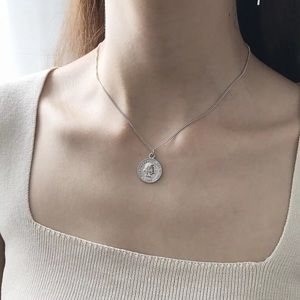 Jewelry - New🌸 Trendy Silver Coin Necklace